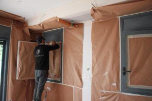 הכנסת סביבת עבודה סטרילית וכיסוי הבית