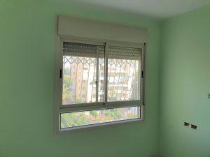 שינוי צבע חלונות אלומיניום משמנת לאפור